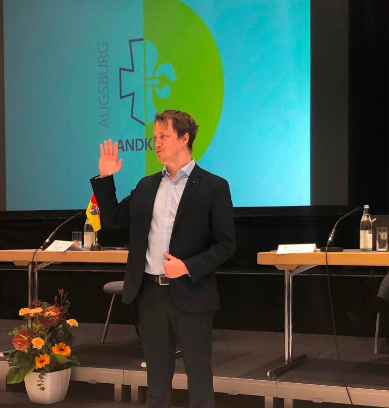 Unser neuer stellvertretender Fraktionsvorsitzender Fabian Wamser bei der Vereidugung als neuer Kreisrat.